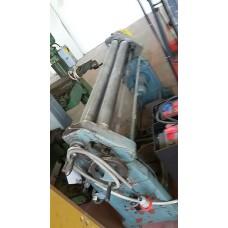 CALANDRA usata MECCANICA MOTORIZZATA A 3 RULLI HYLLUS DA 1500x2, RULLO SUP. DA 90mm